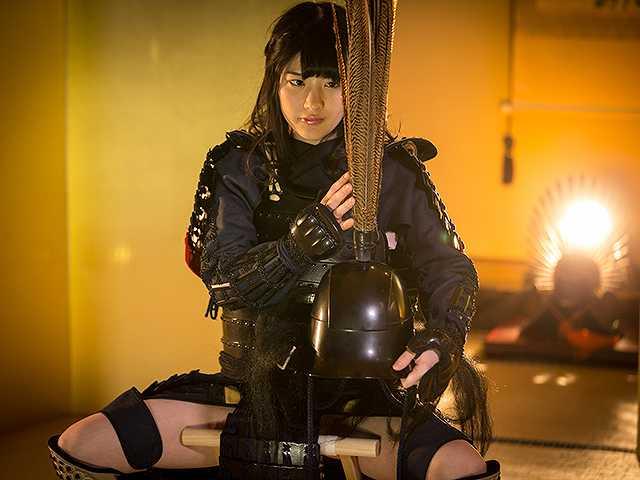 #38 甲冑:細川忠興/美女:神谷えりな