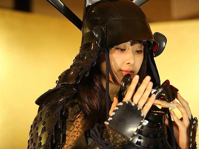 #44 甲冑:藤堂高虎/美女:真島なおみ