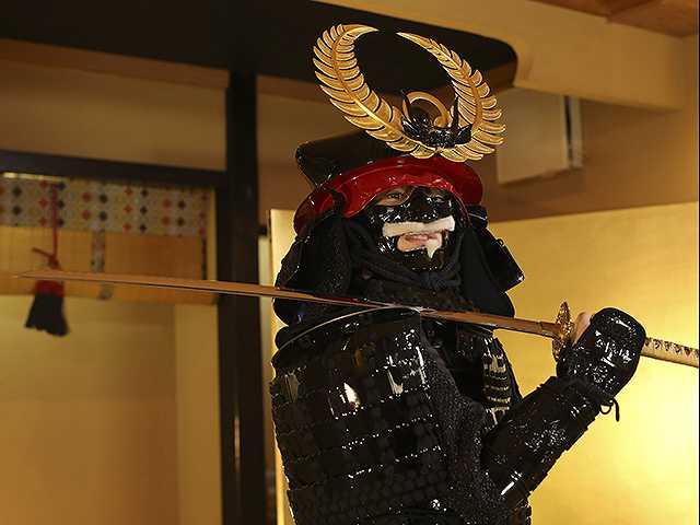 #53 甲冑:徳川家康/美女:関根優那