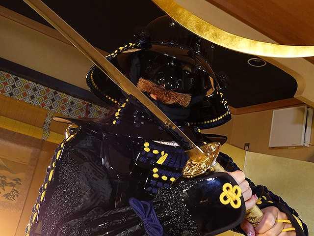 #56 甲冑:伊達政宗/美女:藤田あずさ