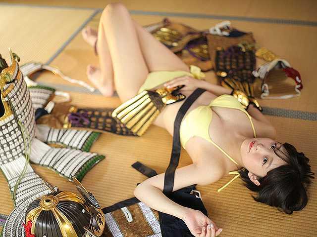 #78 甲冑:徳川秀忠/美女:美月絢音
