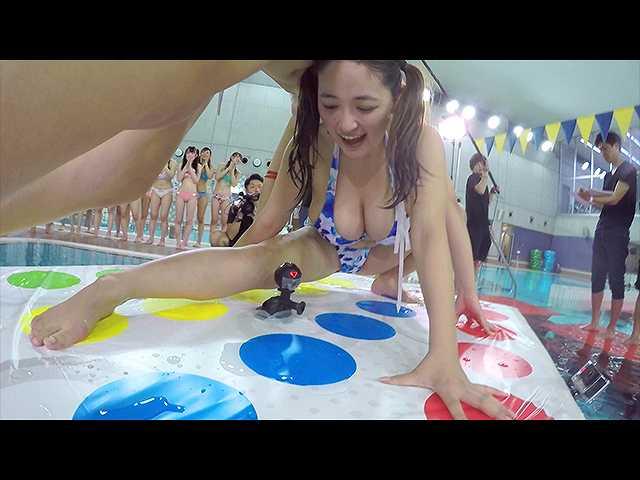 【無料】360°まる見え!VRアイドル水泳大会