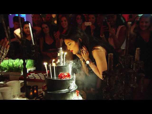 #20 (字幕版)カイリーの誕生日パーティー