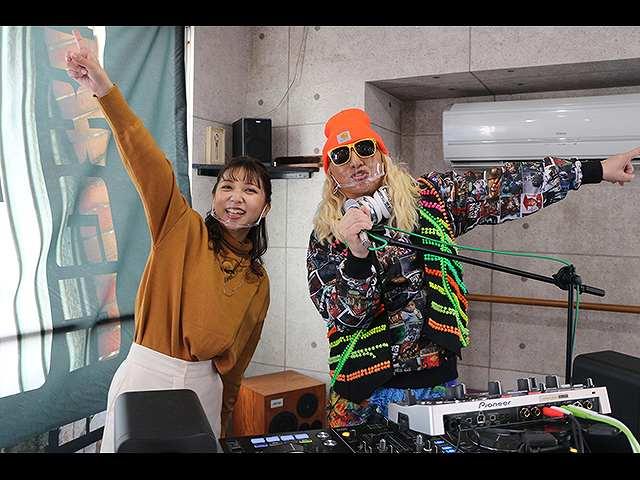 DJ KOOさんと岡山駅東口でお宝探し!